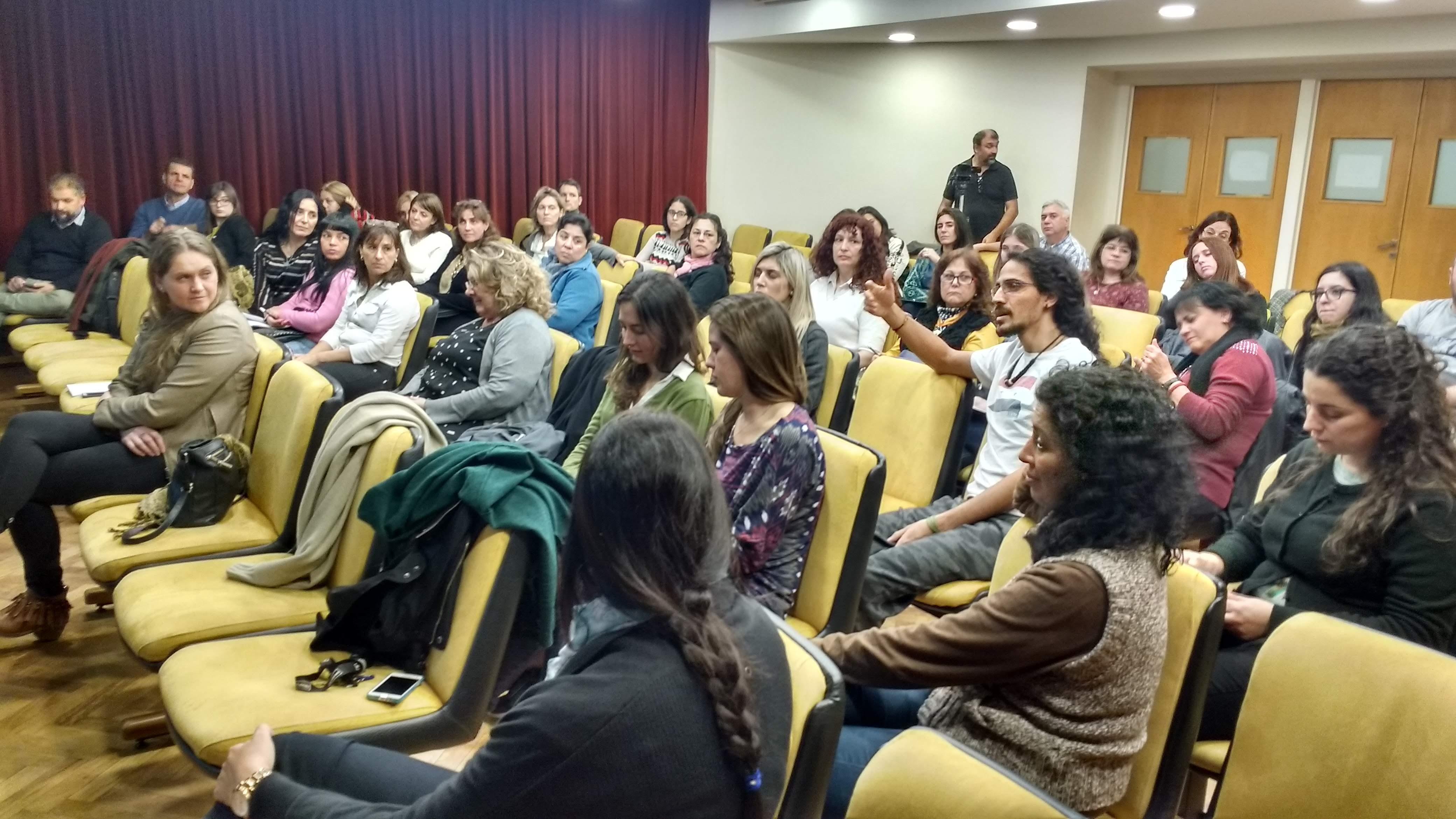 Vista de los asistentes en el Auditorio FCQ (UNC).